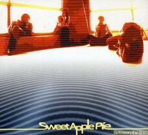 Sweet Apple Pie - 'Between the lines' (CD)